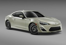 2016_Scion_FRS_RS2_F34_PS.jpg